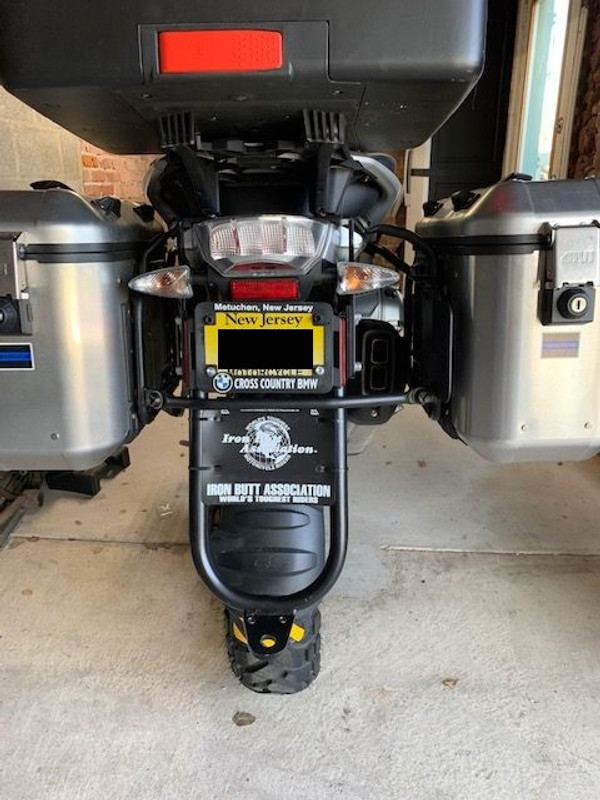 Hitch installed on a 2018 R1200GS