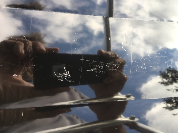 There are light scratches on the camper top from gear that wasn't properly strapped down. These could be easily fixed.