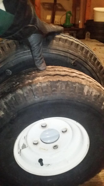 8 inch tires vs 12 inch tires