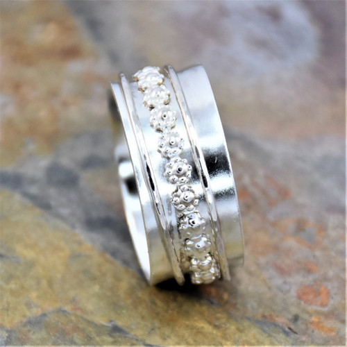 Sterling Silver Decorative Daisy Wire Spinning Band Ring