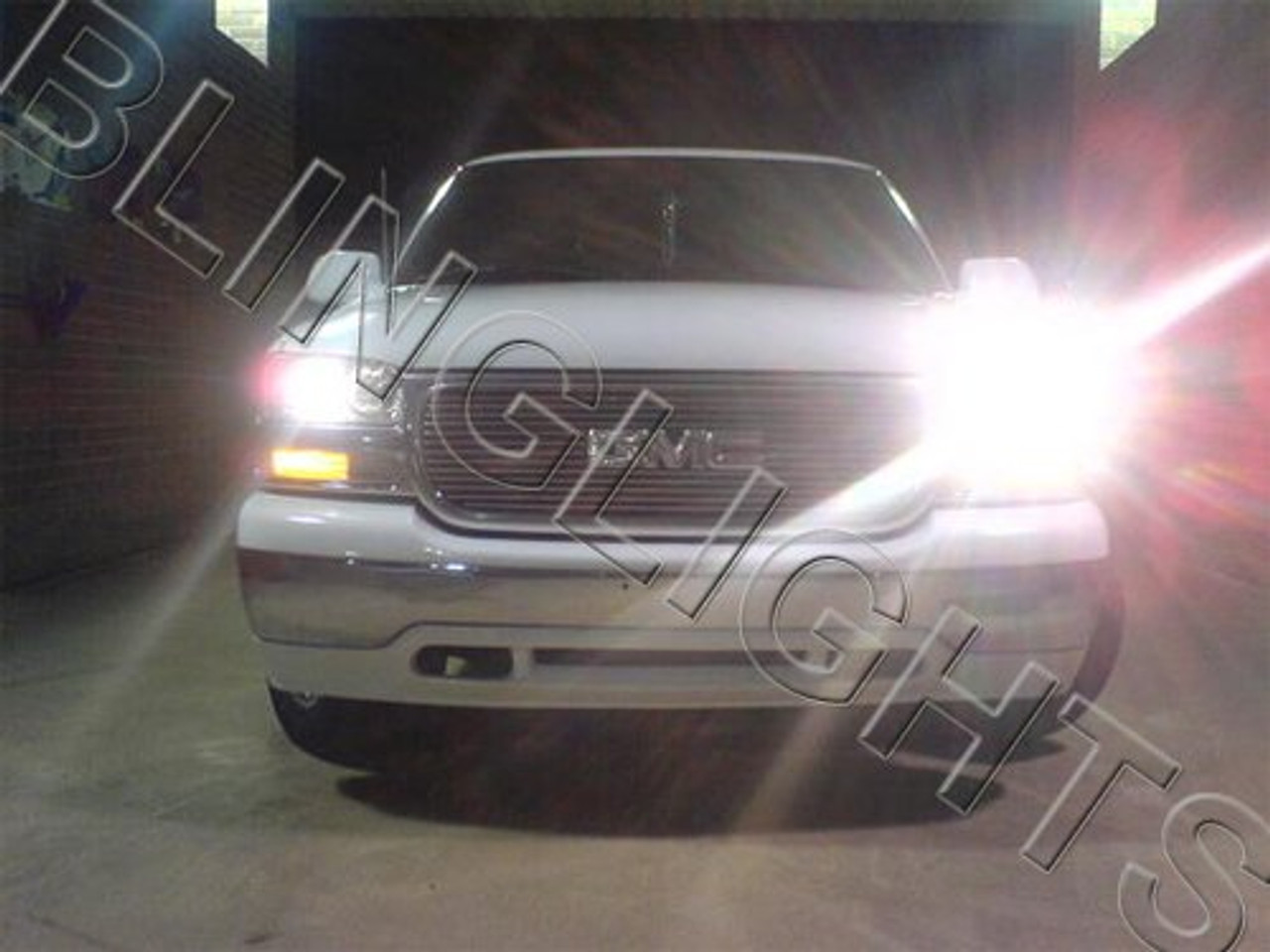 1999-2002 GMC Sierra Bright White Head Lamp Light Bulbs