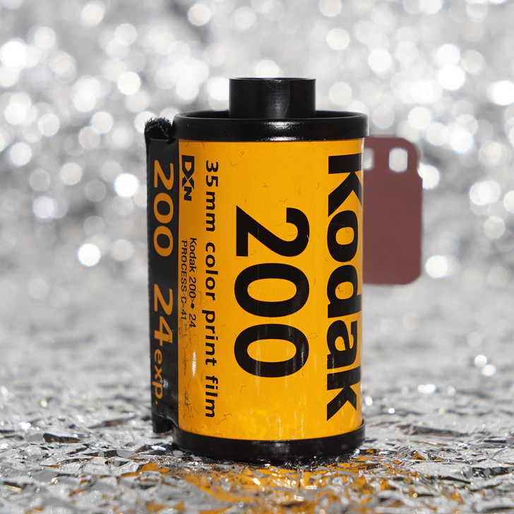 Kodak Gold 200 35mm film (24 exposures)