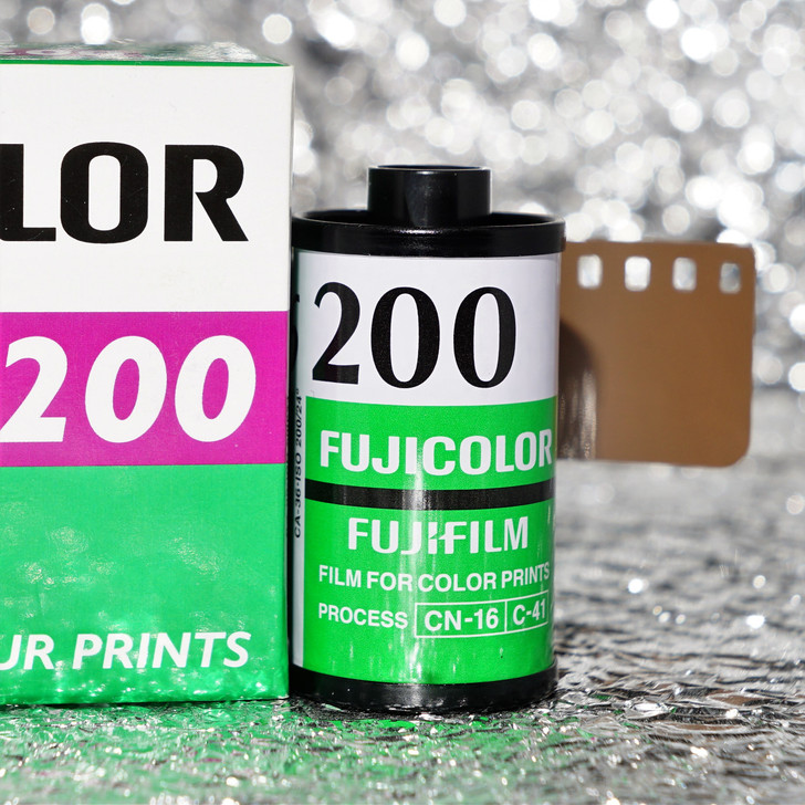 Fuji C200 36exp 35mm color film (single NON-boxed)