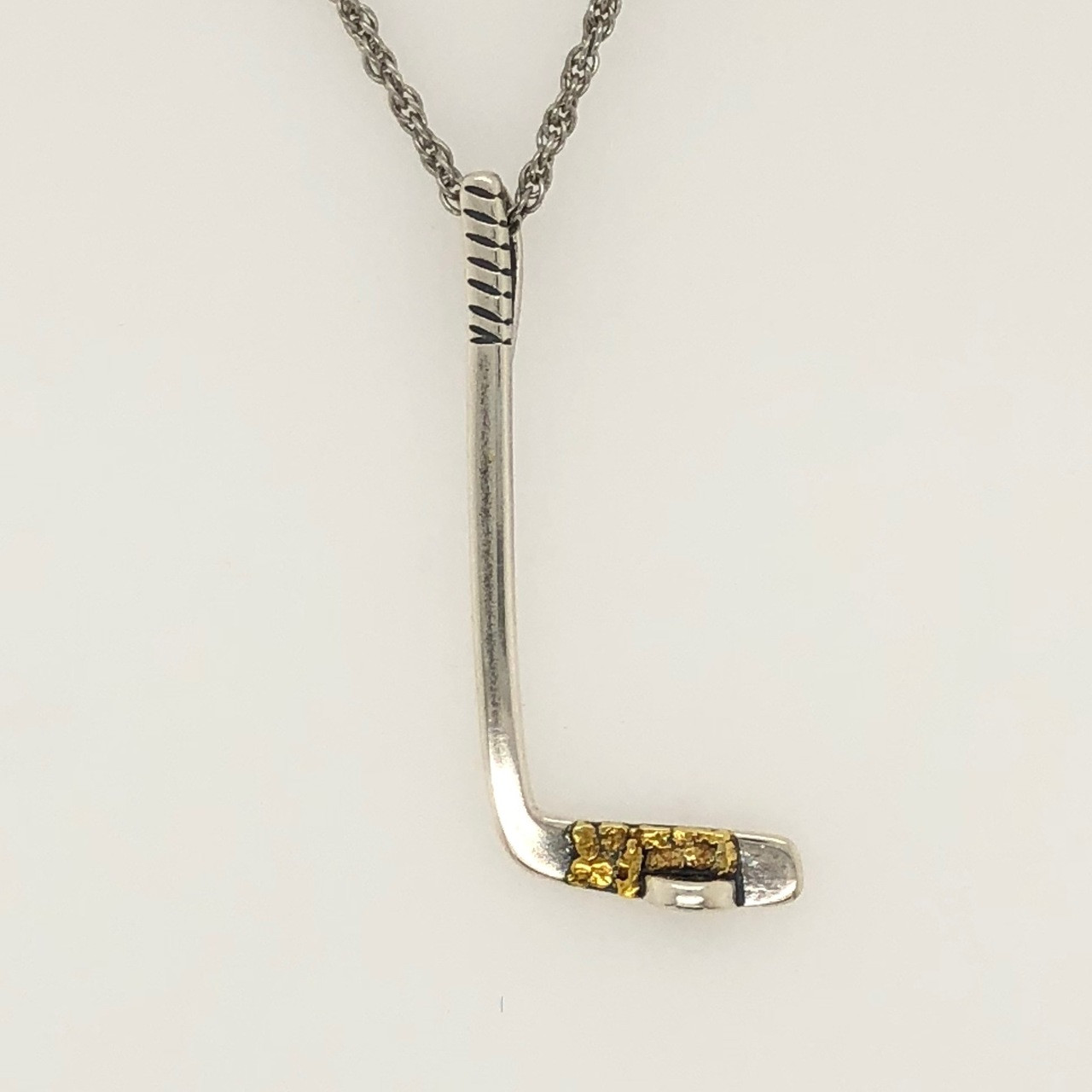 14k White Gold Hockey Stick and Puck Sports Pendant Necklace