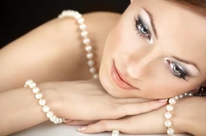 pearls-istock-000009475893xsmall.jpg
