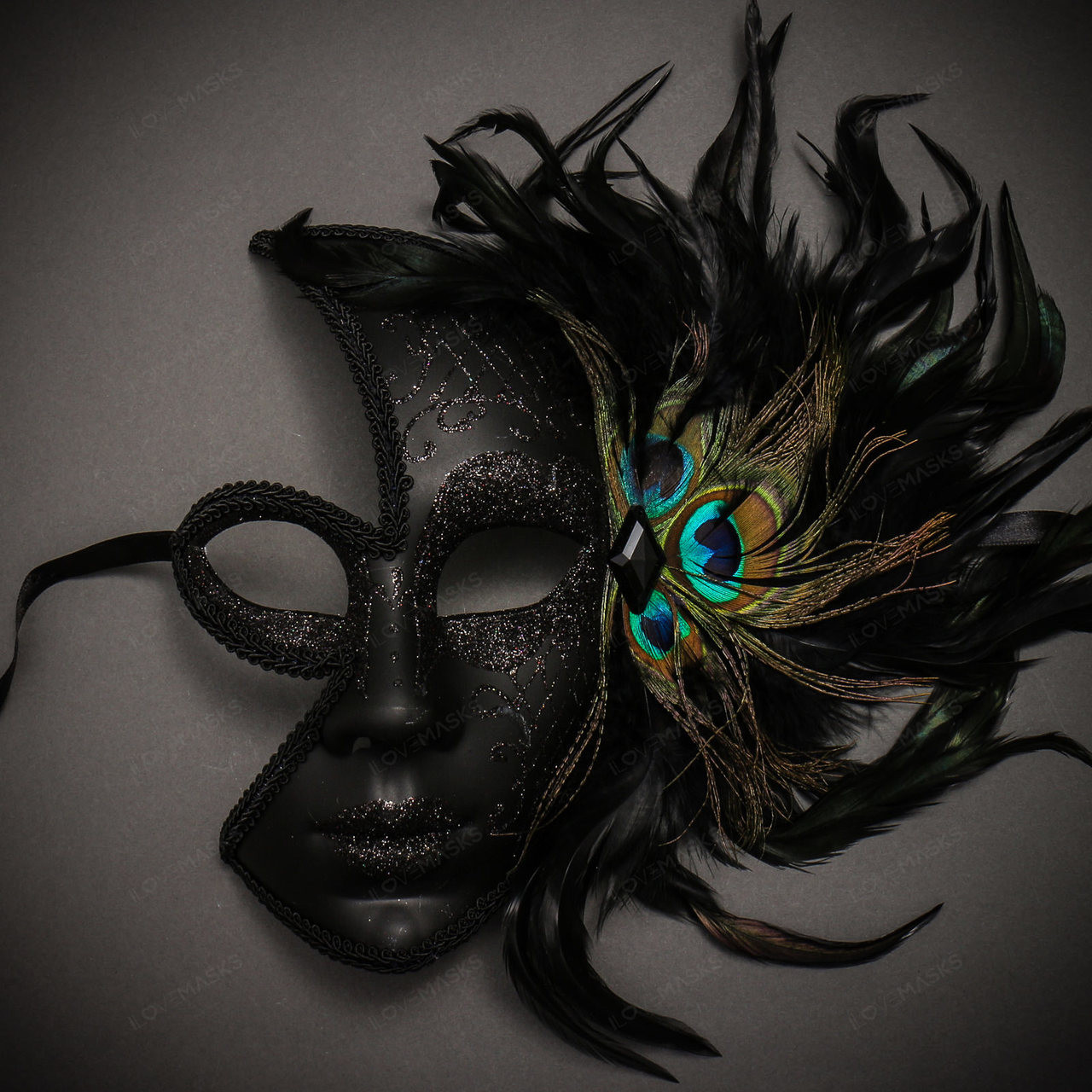 Black Laser Cut Women Party Eye Mask with side Peacock Feather Prom Ball Party