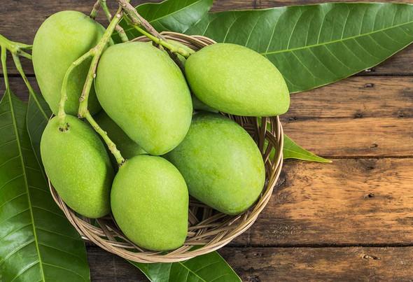 Green Mango (per lb)