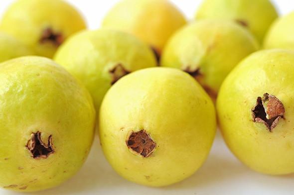 Guava (per lb)