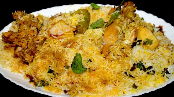 Mantra Delish Chicken Dum Biryani