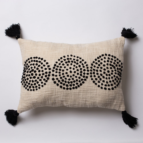 3 dot - White Cushion