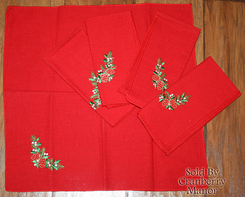 Red Embroidered Christmas Napkin Holly & Acorn Design Vintage Linens