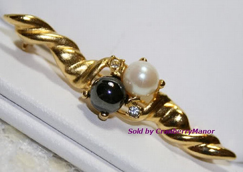 White & Black Faux Pearl Bar Brooch Twisted Gold Vintage Fashion Jewelry Gift