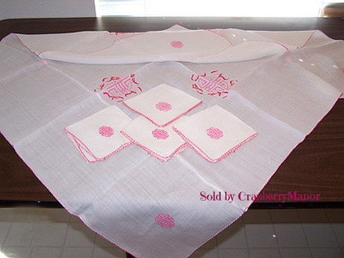 Asian Motif Tea/Card/Bridge Tablecloth & 4 Napkins in Red, Vintage Mid Century Linen Gift Set