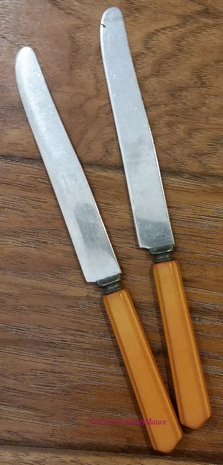 Lot of 2 Peerless Stainless Steel Butterscotch Carved Handle Knives, Vintage Bakelite Flatware