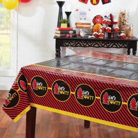 Molly and Bandit™ Pet Party - Plastic Table Cover - Fireman Collection, 5 Pack