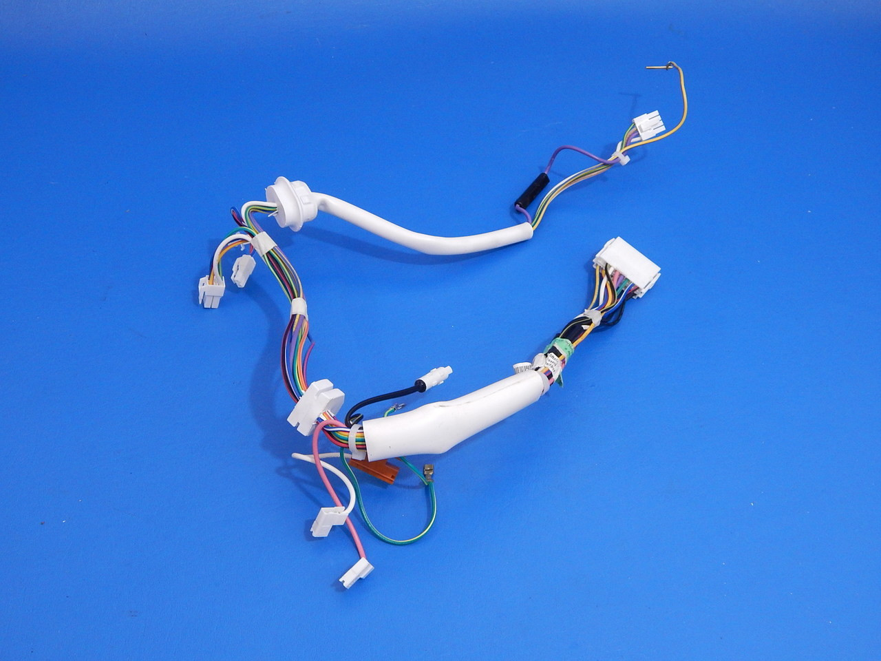 whirlpool bottom mount refrigerator gi6sarxxf05 ice maker wire harness  w10404016 - ice cold beer & appliance parts