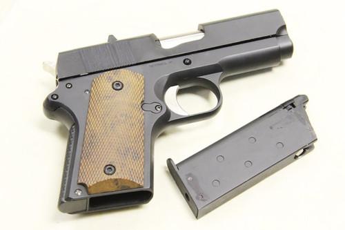 Muzzle right of ARMY R45 Detonics Black M1911 GBB