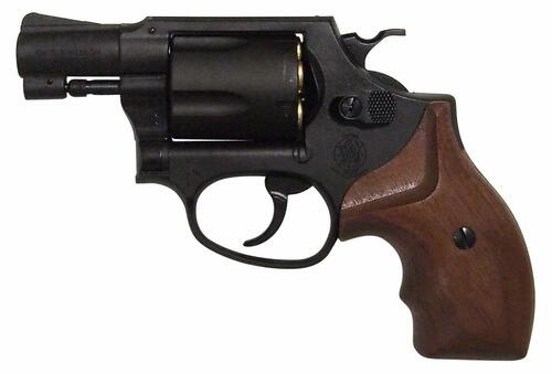 Muzzle left of Marushin M36 Chief Special 2 inch W Deep Black Wooden Grip Copper Head Cart Gas revolver Airsoft Gun