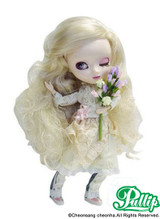 Sample doll / Bouquet**Hair is messy
