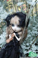 Sample doll/**Old Model-F-506**  NOIR