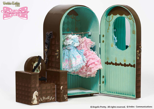 Doll Case & Three outfit set
