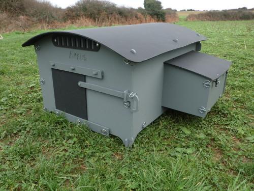 Medium Chicken house