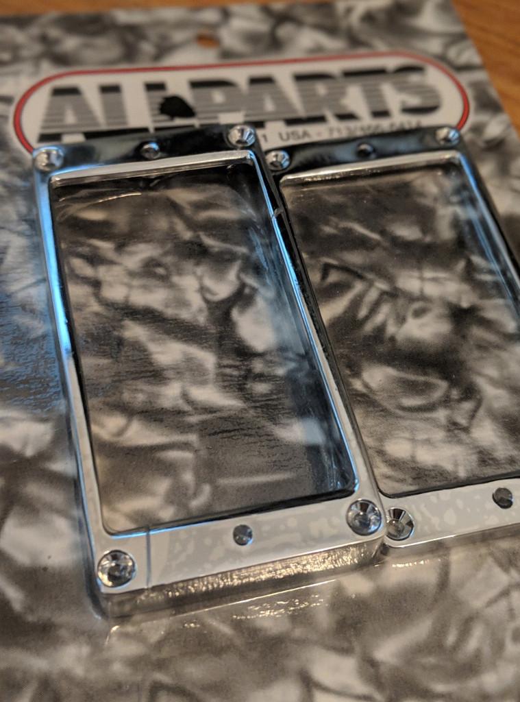 Allparts PC-0438-010 Metal Humbucking Ring Set Curved Chrome