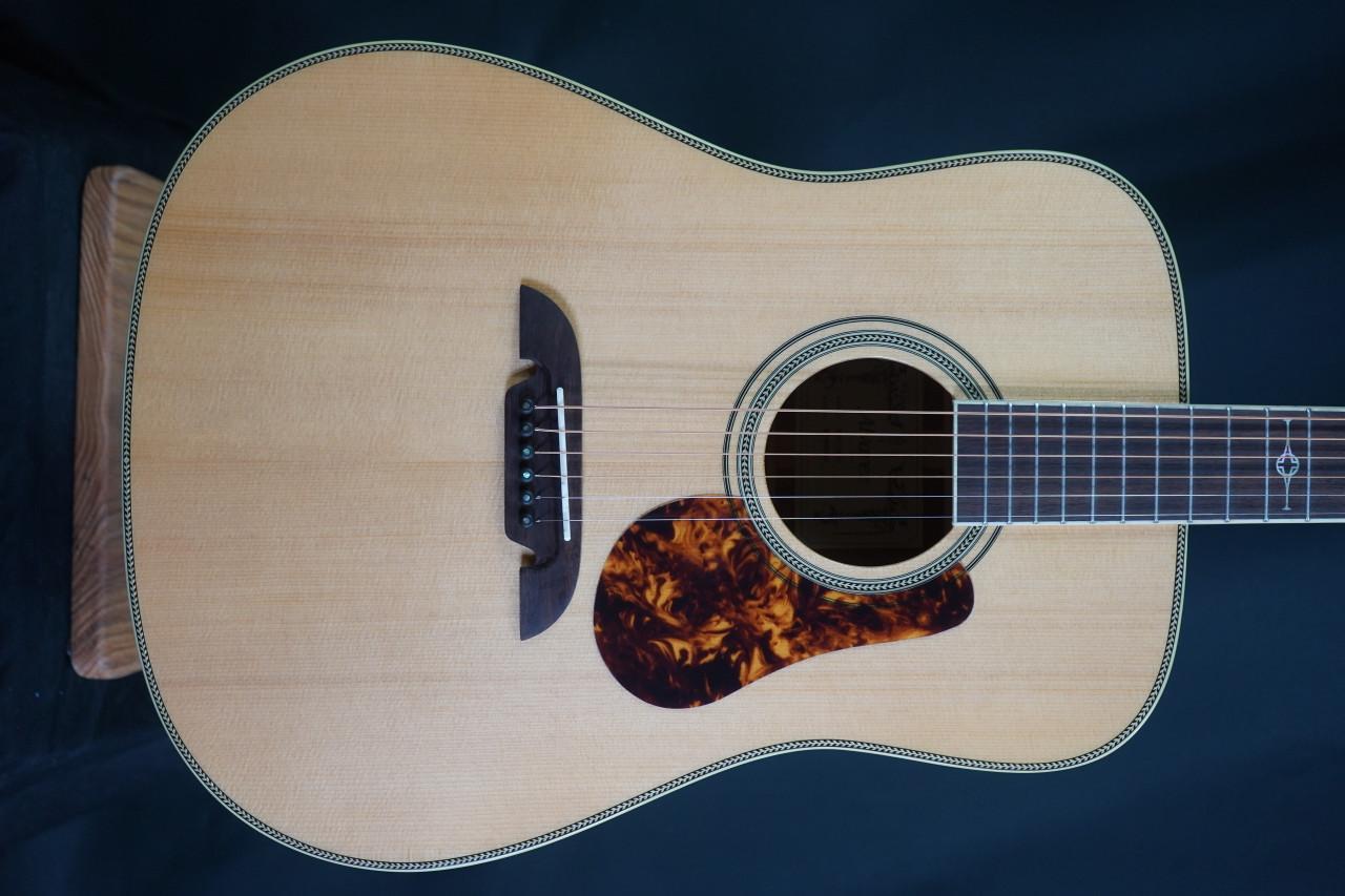 Alvarez Masterworks MD60EBG Bluegrass Dreadnought Acoustic Electric