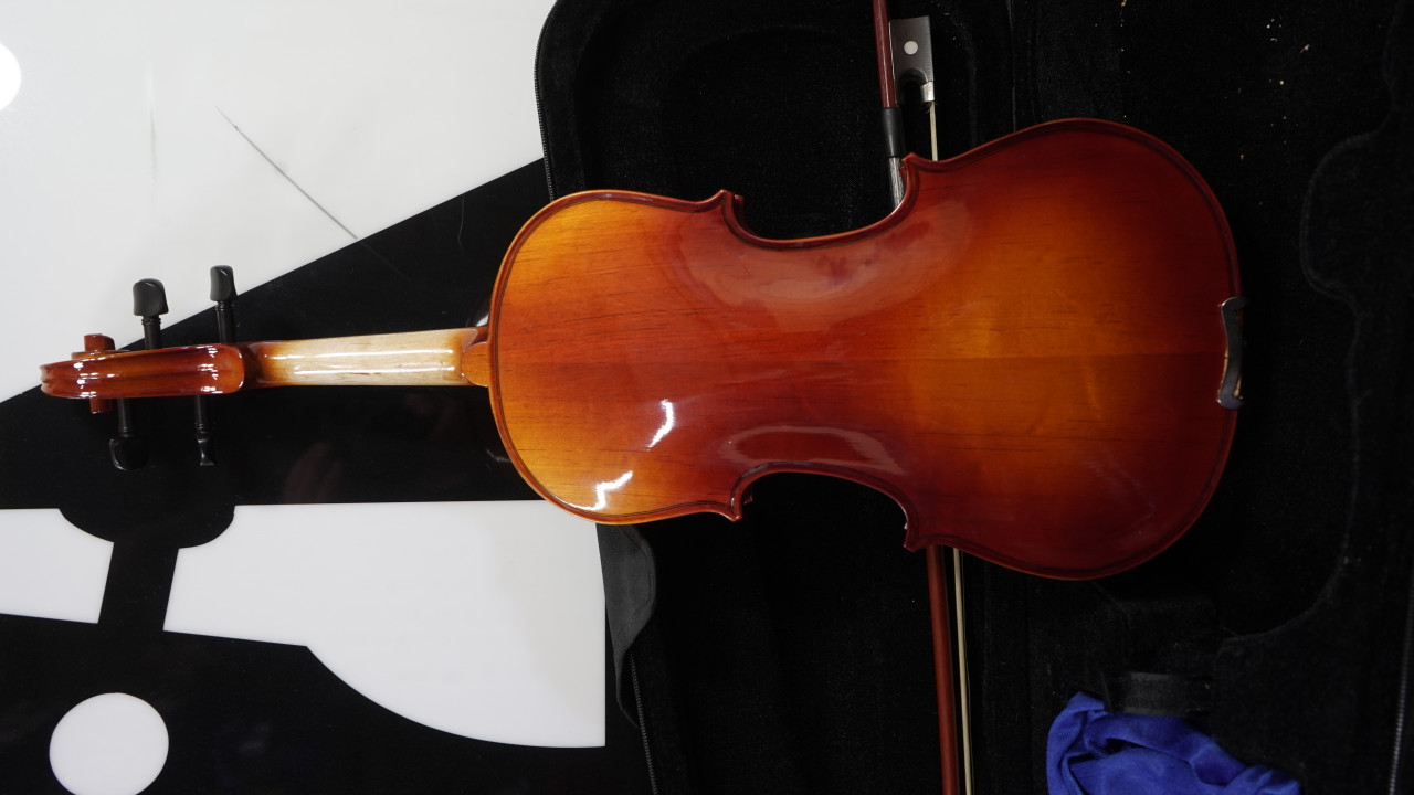 Maestro 3/4 Violin with Bow and Case Used
