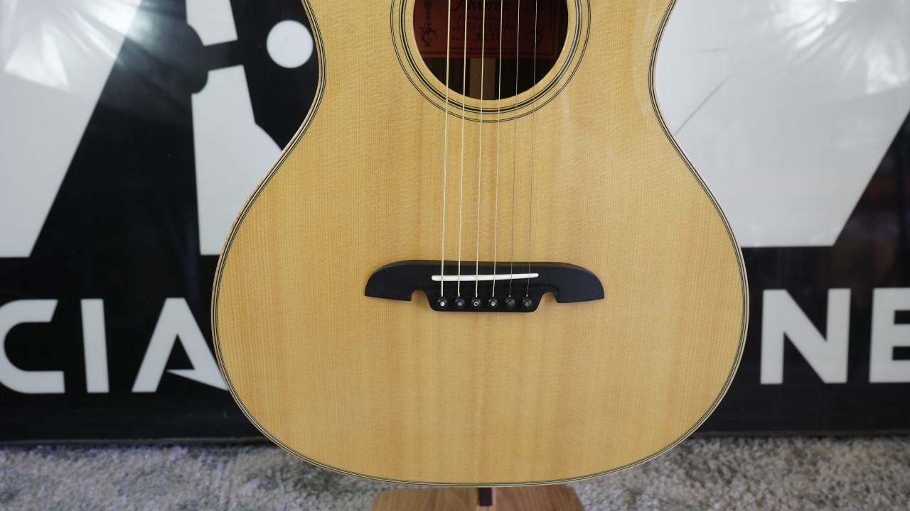 Alvarez Elite Masterworks Archtop Prototype BE70 Acoustic Guitar