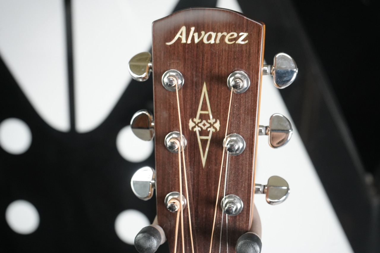 Alvarez Grand Auditorium AG60CEAR Acoustic Guitar (Used)
