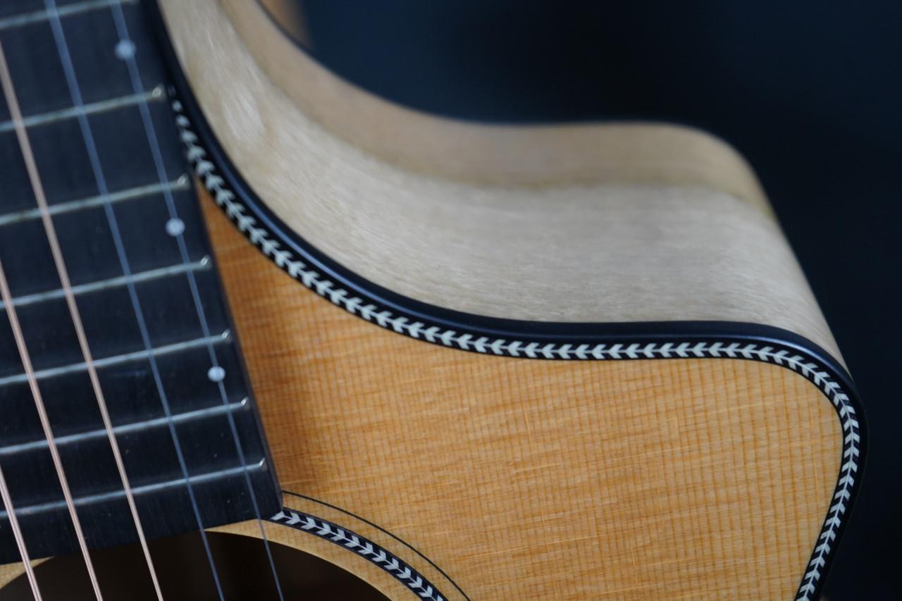 Breedlove Oregon Concert CE Acoustic Guitar (Used)