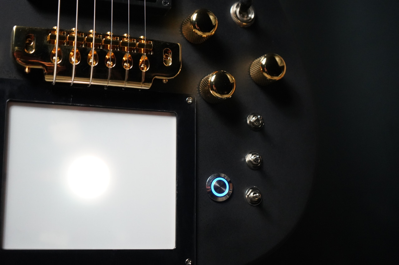 Cort Manson MBM-1 Custom w/Kaoss Pad and Sustainac Gold Edition
