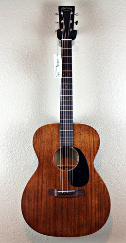 Martin 00015M 15-Series Mahogany Auditorium Acoustic Guitar w/ Case