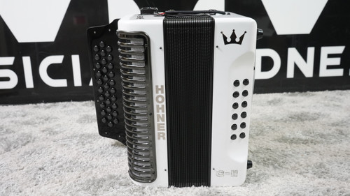 Hohner Corona C-II Accordion White Rainbow Made in Germany (FA Key)
