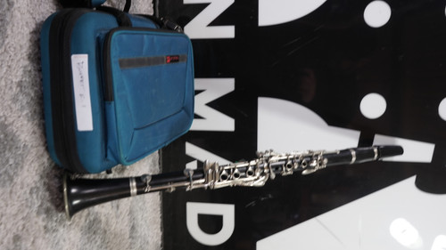 Buffet e11 wood Clarinet with Case Used