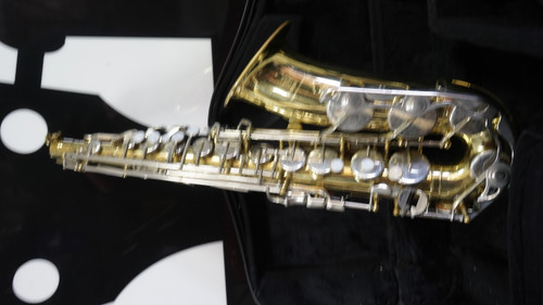 Yamaha YAS-23 Student Model Saxophone w/ Case
