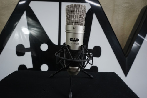 CAD GXL2400 Large-Diaphragm Condenser Microphone w Stand USED