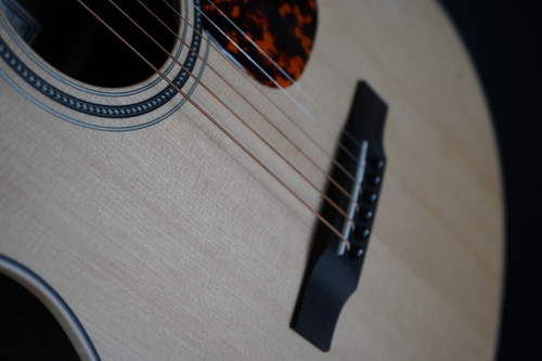 Larrivee C-03R-TE • Tommy Emmanuel Acoustic Guitar