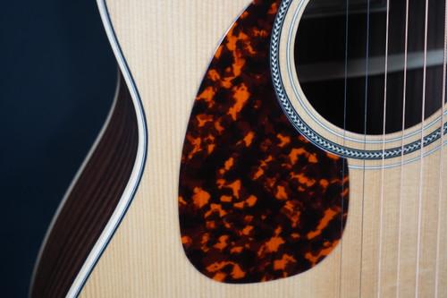 Larrivee C-03R-TE Left-Handed Tommy Emmanuel Signature Indian Rosewood Florentine Cutaway Acoustic
