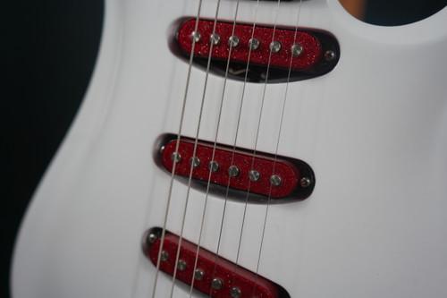 Eklein/Flaxwood Audi White Electric Guitar