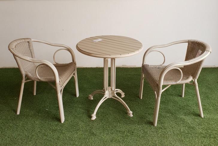 Cadiz Circular Bistro Table In Milky White