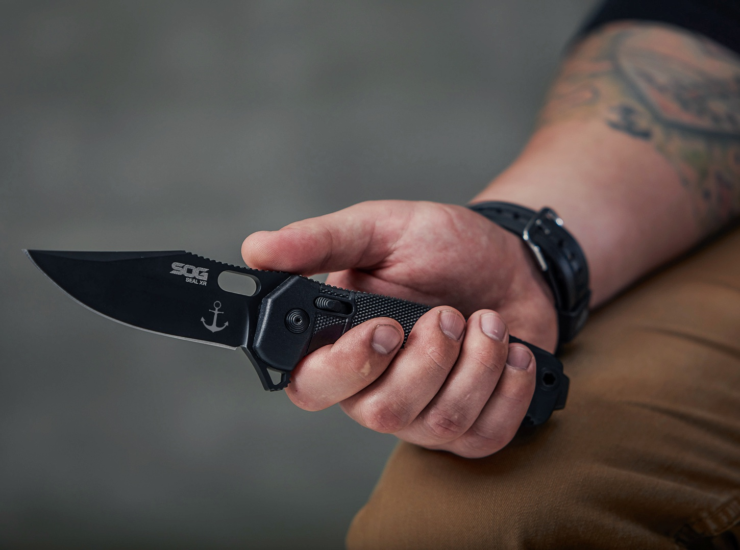 Tactical Engraved Knife