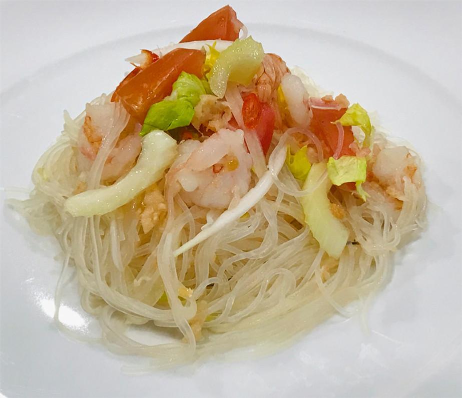Thai Mung Bean Vermicelli Glass Noodle Salad (Yum Woon Sen).