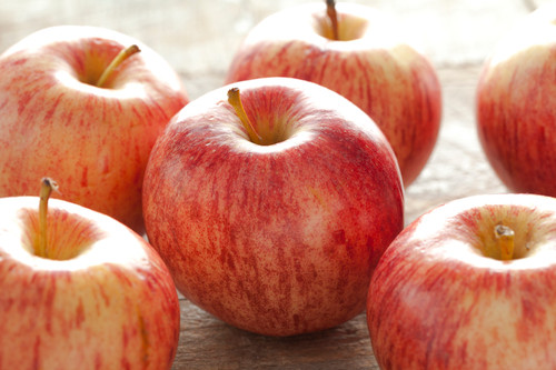 Apples Gala Organic - each (approx.)