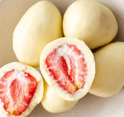 White Chocolate Strawberries Organic per 100g - ONS