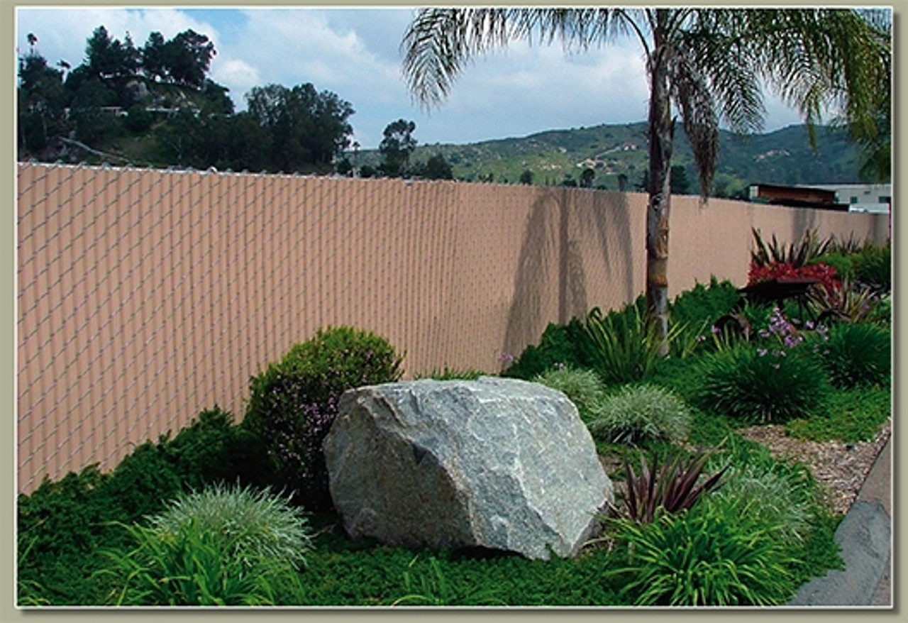 Chain Link Fence With Pre Woven Fence Slats Fencerwire