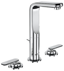 Veris Three-hole bath faucet