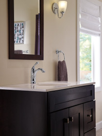 Delta Haywood™ Single Handle Centerset Lavatory Faucet Mode. Chrome