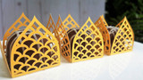 Windsor Gold -  4 Petal - Design or Laser Cut Truffle or Brigadeiro Wrappers / Holders. Forminhas para doces.